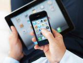 телефон и планшет в руках