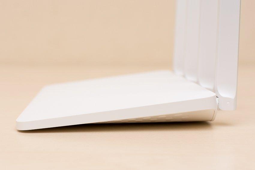 Xiaomi Router 3G: вид сбоку