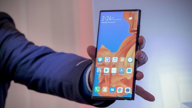Главное о смартфоне Huawei Mate X — будет лучше чем Samsung Galaxy Fold?