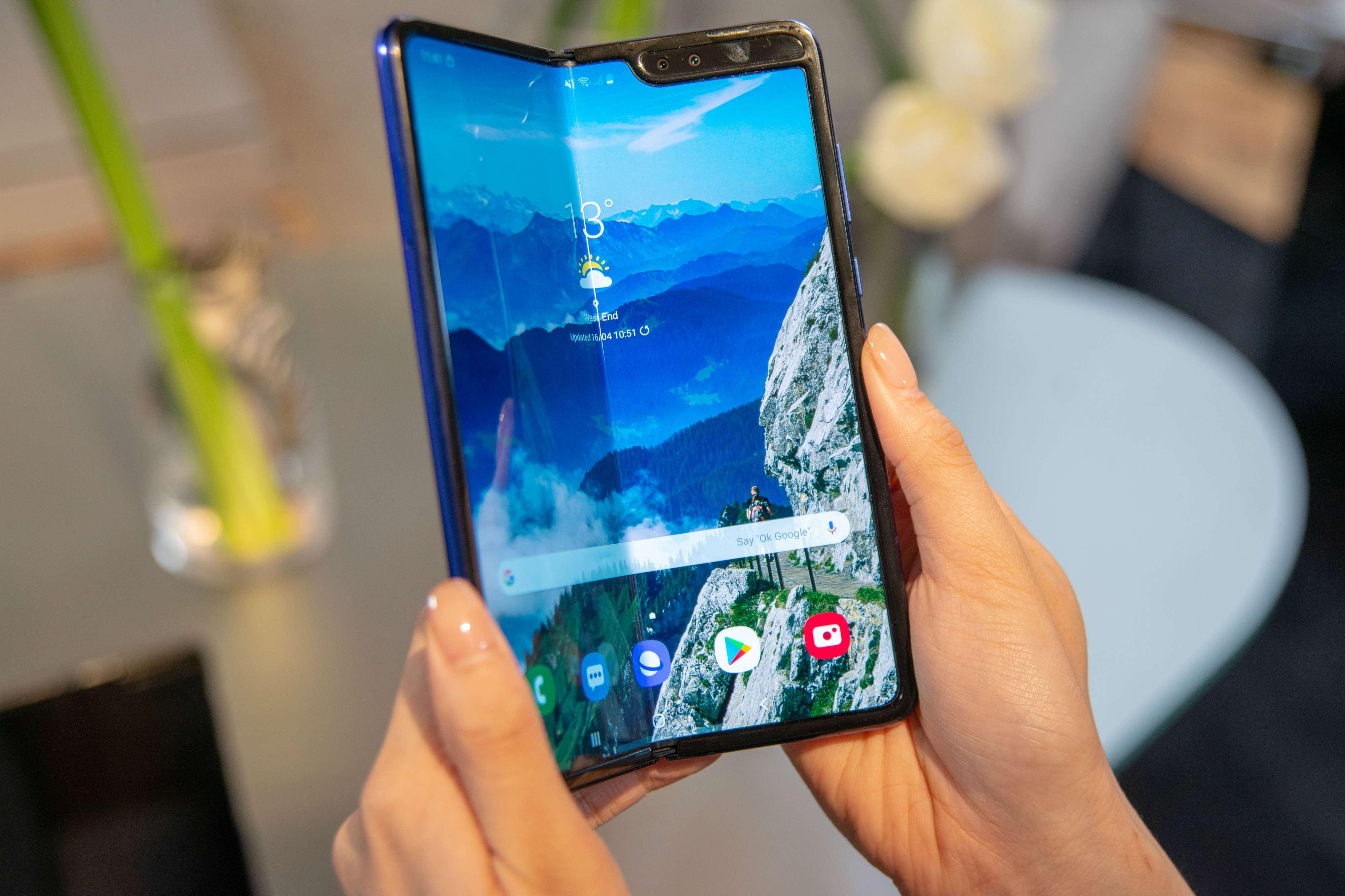 От взрывных смартфонов до неработающих экранов: как Samsung снова облажались