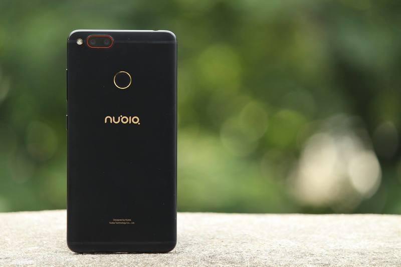 Nubia запускает телефон, который мало кому пригодится