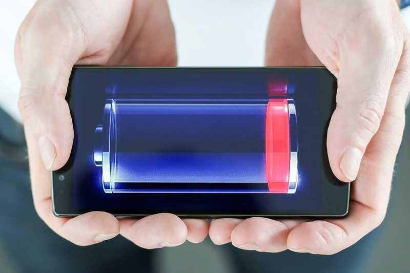 Смартфон греется и быстро садится батарея: какую деталь пора чинить