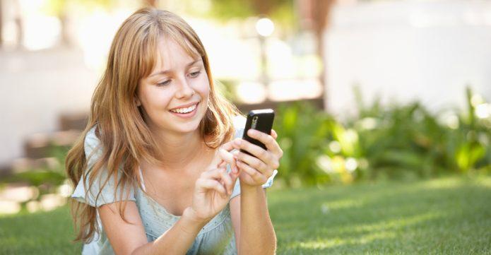 Почему нельзя ставить фото на заставку телефона