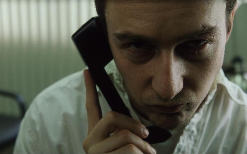 10 телефонов, которые прославились ролью в кино
