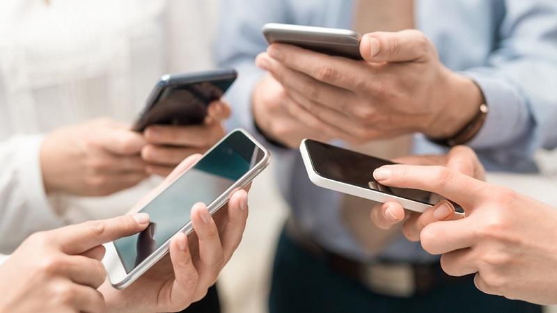 6 важных правил общения по смс с коллегами и начальством