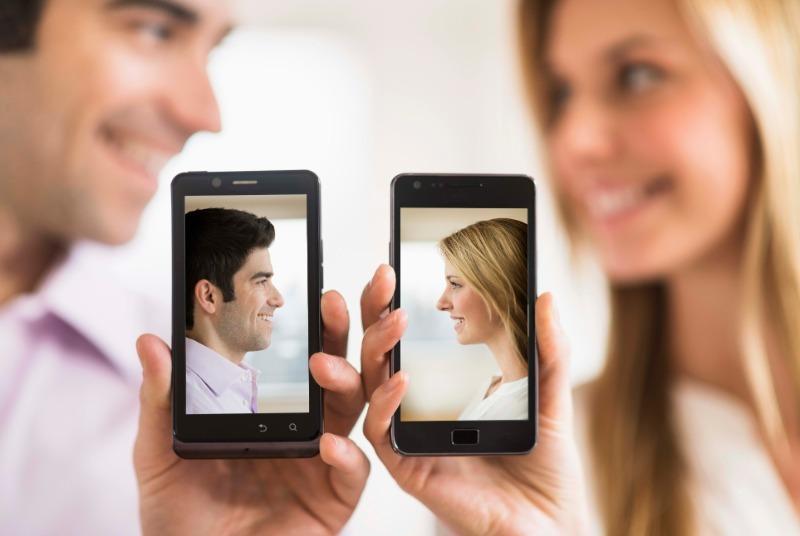 3 картинки, которые не стоит ставить на заставку мобильного телефона