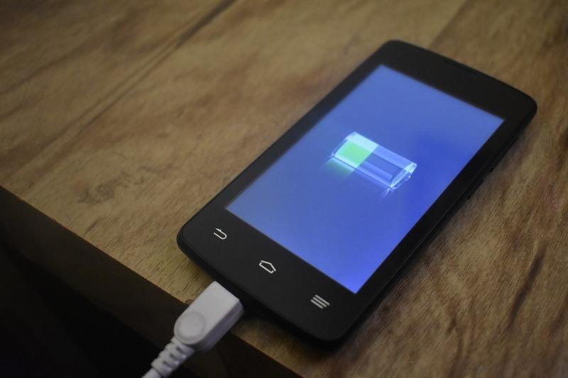 5 поводов задуматься о замене батареи смартфона