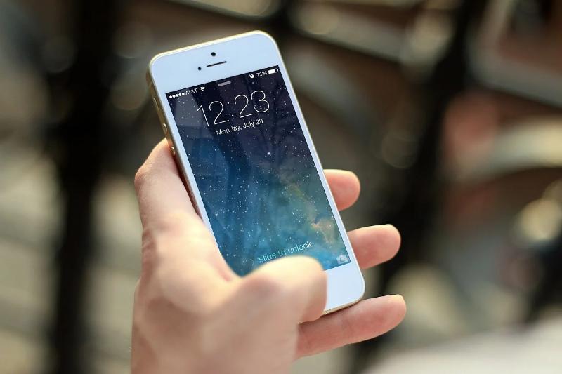 Исчезли контакты в телефоне: 4 способа их восстановить